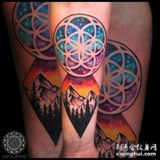 炫酷的圆形灵花和棱形山林纹身