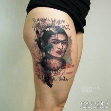 大腿带英文的创意墨西哥画家肖像纹身图案