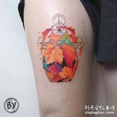 水彩叶子组成的龙猫和线条风筝纹身图案