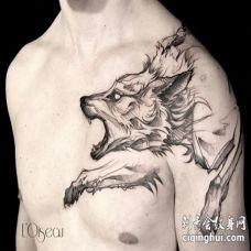 霸气的过肩狼素描纹身图案
