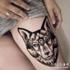 美女大腿个性的黑色元素狼头纹身图案