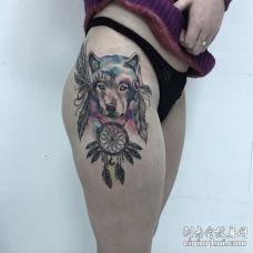 性感的美女跨部水彩狼纹身图案