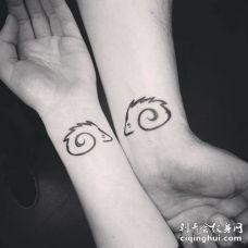 黑白色刺猬情侣手腕纹身图案