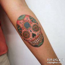 手臂圆形多款形状骷髅头纹身图片