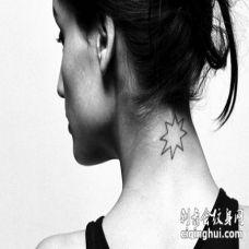 美女脖子八角星纹身图案_黑白八角星几何纹身图片