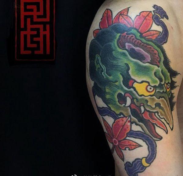 大臂传统枫叶河童纹身图案