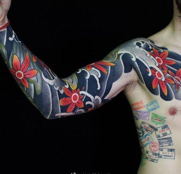 半甲枫叶传统纹身图案