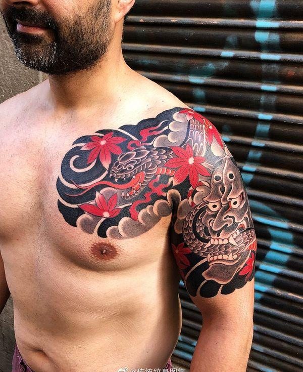 半甲传统枫叶般若蛇纹身图案