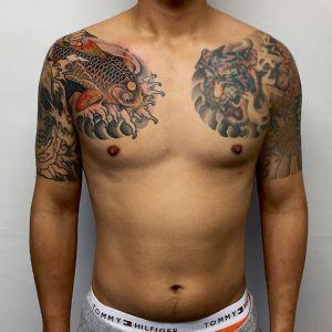 半胛传统鲤鱼老虎纹身图案