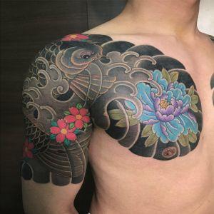 半胛传统牡丹花鲤鱼樱花纹身图案