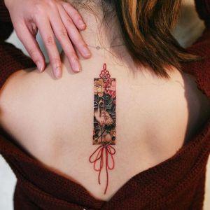 背部小清新仙鹤牡丹花中国结纹身图案
