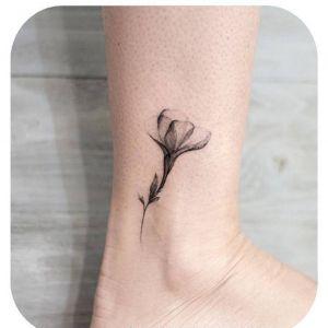 脚踝小清新黑灰风花纹身图案