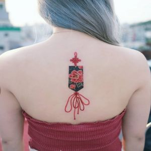 背部小清新中国结牡丹花纹身图案