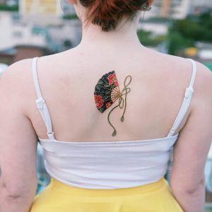 背部小清新扇子牡丹花纹身图案