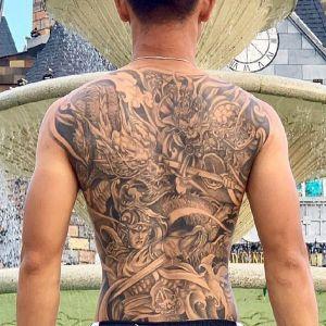 满背传统黑灰风孙悟空杨戬纹身图案