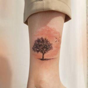 脚踝小清新树纹身图案