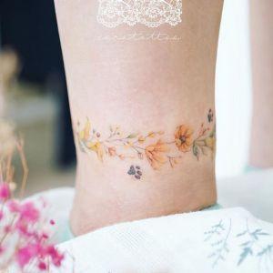 脚踝小清新花环纹身图案