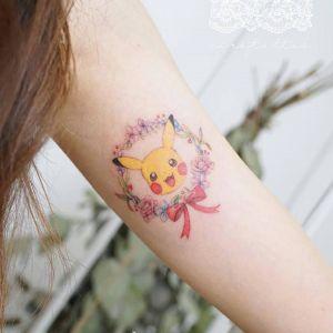 手臂小清新可爱皮卡丘花环纹身图案