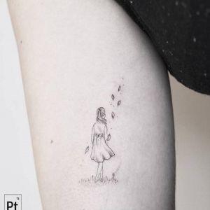 大臂小清新黑灰风人物纹身图案