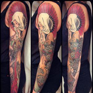 花臂传统人物伞樱花鸟纹身图案