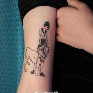 大臂小清新动漫美少女可爱狮子纹身图案