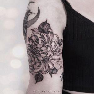 大臂小清新黑灰风菊花纹身图案