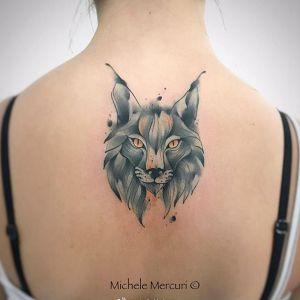 后背水彩风狼头纹身图案