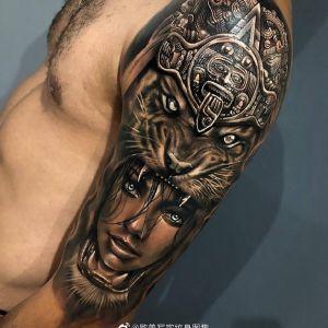 手臂黑灰写实霸气虎头美女纹身图案