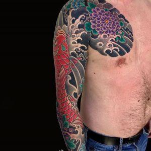半甲传统鲤鱼纹身图案