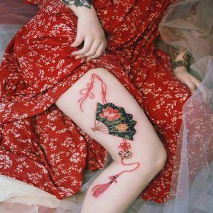 大腿小清新扇子牡丹花中国结纹身图案