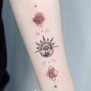 小臂小清新几何风太阳图腾玫瑰纹身图案