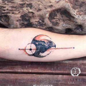 小臂水彩几何风森林鹰纹身图案