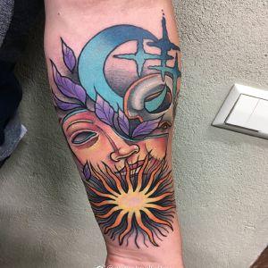 小臂newschool风格太阳图腾月亮面具纹身图案