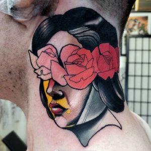 颈部newschool风格玫瑰美女纹身图案