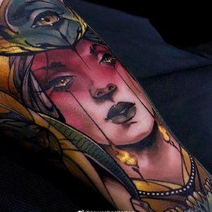 手臂newschool美女眼睛纹身图案