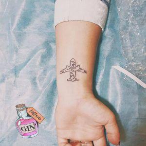 手腕小清新飞机纹身图案