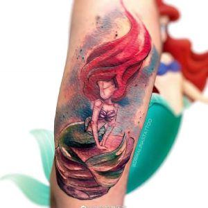 手臂水彩风美人鱼纹身图案