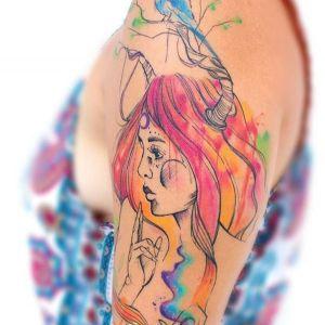 大臂水彩风美少女纹身图案