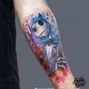 小臂水彩风骷髅杰克纹身图案