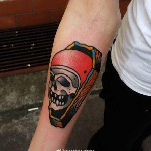 小臂oldschool骷髅纹身图案