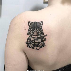 后背小清新武士猫咪纹身图案
