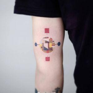 大臂小清新中国结纹身图案