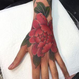 手背西瓜红牡丹纹身图案