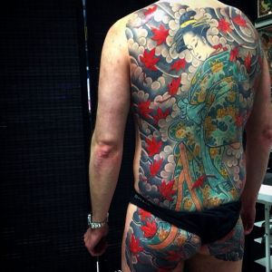 传统满背艺伎纹身图案