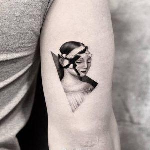 大臂几何风美女肖像纹身图案