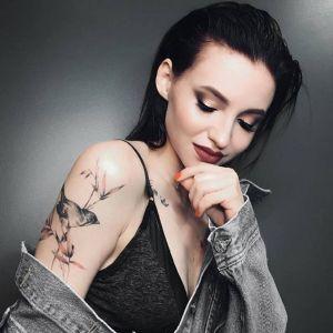 大臂小清新性感美女鸟纹身图案