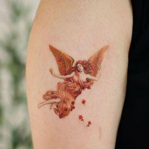 大臂小清新美女天使纹身图案