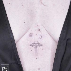 腹部小清新黑灰风纹身图案