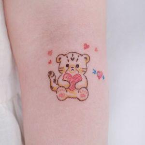 小臂小清新可爱老虎纹身图案