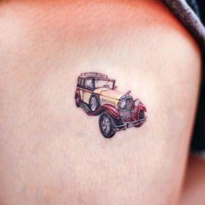 大腿小清新汽车纹身图案